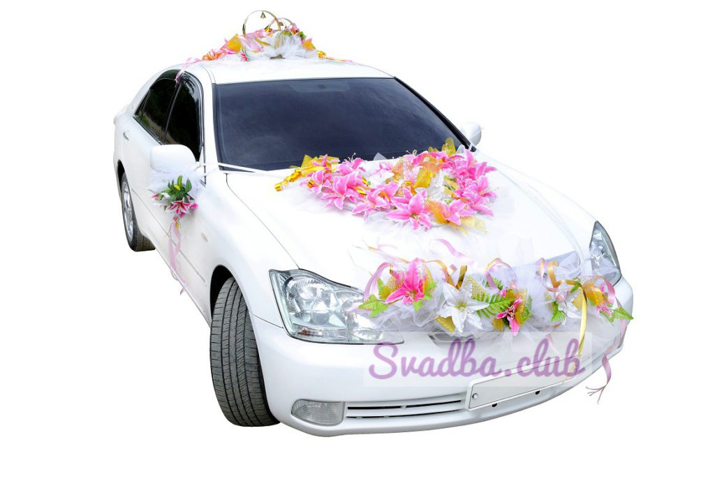 Фото украшенной машины на свадьбе